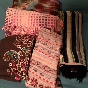 Lot of 5 scarves